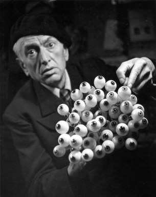 Professeur Charles Pêtre, oculariste, 1944 © Atelier Robert Doisneau