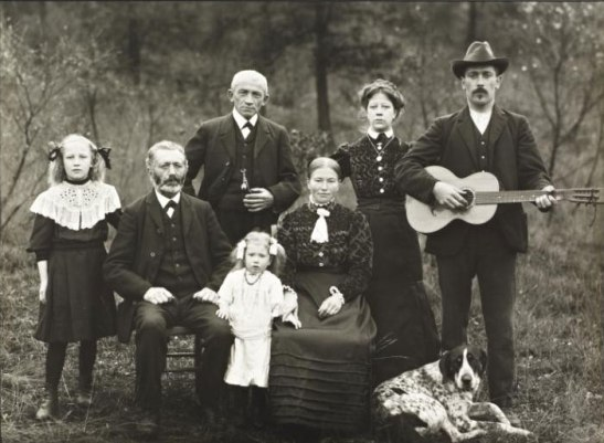 Farming Family, 1912, by August Sander